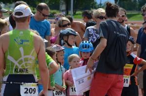 Ausführliche Erklärung vor dem Start des Kids-Triathlons